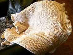 Wolldecke von der Strickgräfin, handgestrickt - als Babydecke, Kinderdecke, Dekordecke  #Strickgraefin Blanket, Crochet, Wool Blanket, Scarf Knit, Head Bands, Kids, Crochet Hooks, Blankets, Crocheting