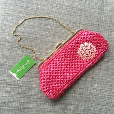 Lilly Pulitzer Clutch/ Shoulder Purse Lilly Pulitzer Clutch/ Shoulder Purse, chain can be hidden, pink weave with pink broach detail, pockets on inside Lilly Pulitzer Bags Clutches & Wristlets