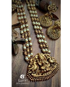 Check out this brautiful antique temple jewellery by the brand Garv Silver Jewellery. Terracotta Jewellery Designs, Antique Jewellery Designs, Gold Earrings Designs, Gold Jewellery Design, Terracota Jewellery, Gold Temple Jewellery, Silver Jewellery, South Indian Jewellery, Diamond Jewellery