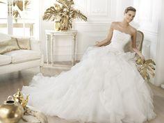 Leante - Pronovias 2014 - Esküvői ruhák - Ananász Szalon - esküvői, menyasszonyi és alkalmi ruhaszalon Budapesten