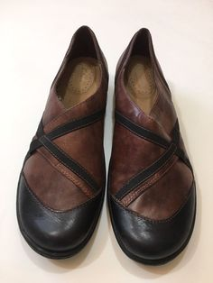 Clarks Womens Leather Comfort Shoes Brown Slip On Size 9.5M #Clarks #unstructured #Casual