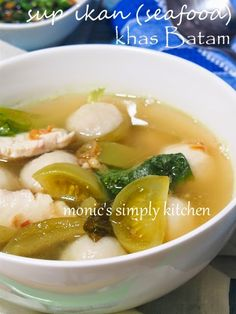 Resep Sup Seafood (Ikan) Khas Batam Asian Recipes, Ethnic Recipes, Asian Foods, Seafood Soup, Batam, Indonesian Food, Chinese Food, Food And Drink, Easy Meals