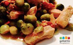 Spruitjes kip roerbak gerecht onderdeel van de koolhydraatarme weekmenu's op gobento.nl. Makkelijk en snel klaar te maken. Dutch Recipes, Low Carb Recipes, Healthy Recipes, Go For It, Wok, Potato Salad, Salads, Paleo, Snacks