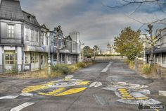 abandoned amusement park nara dreamland (65 photos) in japan. closed down in 2006, it is now a sort of ghost town...i think it would be a perfect location for a horror movie!
