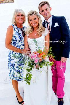 wedding bouquet in a great wedding in Mykonos! Wedding Bouquets, Wedding Dresses, Mykonos, Bridesmaid Dresses, Unique, Color, Fashion, Bride Dresses, Bridesmade Dresses