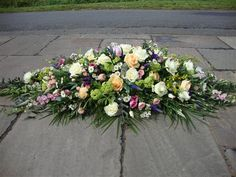 Flowers For Mom, Church Flowers, Funeral Flowers, Diy Flower Arrangements For Funeral, Country Flower Arrangements, Flower Spray, Spray Roses, Funeral Caskets, Casket Flowers