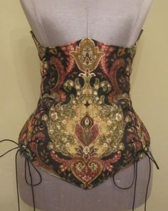 Scandalous Under-bust Corset