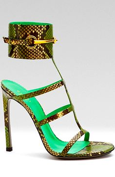 So need in my collection!! #Gucci