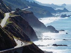 De Pacific Coast Highway/ Highway 1) Het mooiste stuk start bij de Golden Gate Bridge in San Francisco en eindigt in downtown Los Angeles.Tussen december en april ook migrerende walvissen spotten. bijnaam: All-American Road