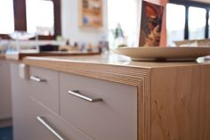 Birch Plywood Cabinets Maxi Plywood Congratulates The Design And Joinery Team At Quality Cabinets In Finding And Highlighting The Innovative Visual Beauty Of Maxi Birch Birch Plywood Cabinet Makers Plywood Countertop, Plywood Kitchen, Plywood Cabinets, Kitchen Benches, Plywood Furniture, Kitchen Furniture, Furniture Cleaning, Urban Furniture, Painted Furniture