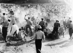 On this day in white police in apartheid South Africa killed 67 Blacks and wounded 186 on what is known as the Sharpville Massacre. Steve Biko, Human Rights Day, Apartheid, Lest We Forget, African History, Civil Rights, Oppression, Black History, Women's History