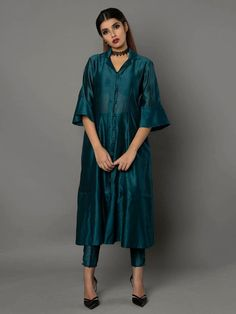 Emerald Green Silk Chanderi Kurta with Pants - Set of 2 By Ritu Jain Singh