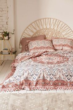 Plum & Bow Anza Tiled Duvet Cover - Urban Outfitters This headboard Bedroom Sets, Home Bedroom, Girls Bedroom, Bedroom Decor, Bedrooms, Bedroom Inspo, Bedroom Inspiration, Wall Decor, Bed Sets