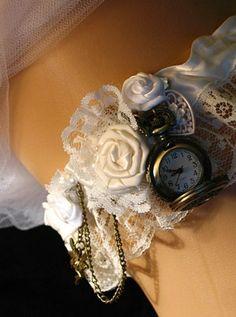Steampunk Victorian Wedding Garter with Pocketwatch. Bride garter or Bridesmaids - Wedding And Dressing Steampunk Theme, Steampunk Wedding, Victorian Steampunk, Steampunk Belle, Gothic, Free Wedding, Our Wedding, Wedding Ideas, Firefly Wedding
