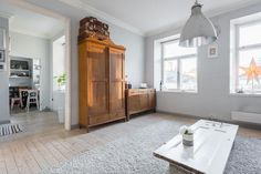 Myydään Puutalo-osake 4 huonetta - Turku Keskusta Piispankatu 6 - Etuovi.com 9465863 Osaka, Entryway, Furniture, Home Decor, Entrance, Decoration Home, Room Decor, Door Entry, Mudroom