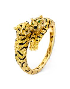 Rare Jewels And Watches Among Items At New York Art, Antique & Jewelry Show - Cartier Double Tiger bracelet - Bracelet Cartier, Cartier Jewelry, Antique Jewelry, Bangle Bracelets, Vintage Jewelry, Bangles, Cartier Gold, Diamond Bracelets, Jewelry Watches