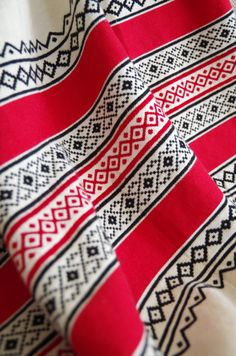 Toda Shawls known as 'puthukulli' made by the Toda tribe in the Nilgiri Hills of tamilnadu.