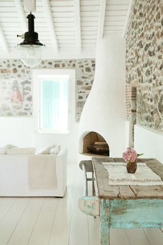 THE TRAVEL FILES: A GREEK ISLAND HOME