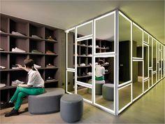 Idrisi boutique by lagranja design, Bilbao   Spain store design
