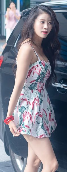 Looking for Lace Dresses Ideas?How to match lace dress with other outfits to get a glamorous look ? Lovelyz Mijoo, Looks Style, Beautiful Asian Girls, Asian Woman, Kpop Girls, Korean Girl, Asian Beauty, Cute Dresses, Korean Fashion