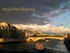 Backpacking Europe - bridge in Paris