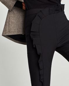 Image 6 of TROUSERS WITH VERTICAL RUFFLE from Zara