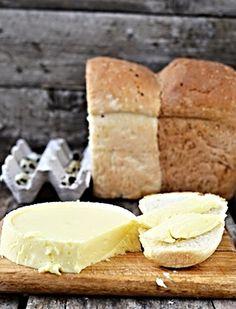 V domácích podmínkách vyrobený chutný sýr. Czech Recipes, Ethnic Recipes, Modern Food, Salty Foods, No Salt Recipes, Home Canning, Homemade Cheese, Queso, Food Photo