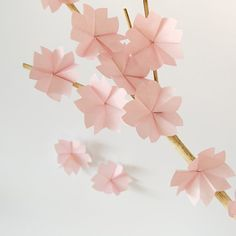 Photo tutorial for paper cherry blossoms (post in German, tutorial in pictures)