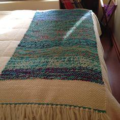 Weaving Designs, Weaving Projects, Loom Weaving, Hand Weaving, Peg Loom, Rug Runner, Color Trends, Textile Art, Fiber Art