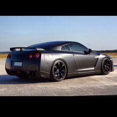 Cool Nissan GTR