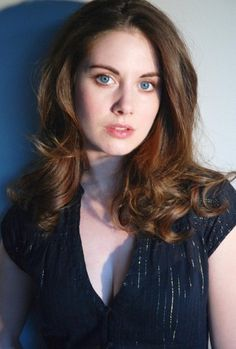 Alison Brie Photo Mug Hot Cocoa Gift Basket Alison Brie, Alexandra Daddario, Prettiest Actresses, Beautiful Actresses, Olivia Wilde, Meaghan Martin, Pretty People, Beautiful People, Beautiful Women