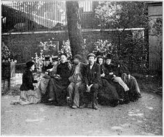 Homeless people in Itchy Park, Spitalfields. Photo by Jack London - People of the Abyss - 1902.
