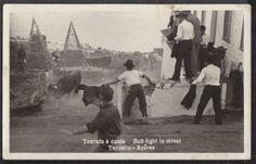 Séc. XX, freguesia da Feteira, Ilha Terceira   Tourada à corda nas ruas da Ilha Terceira.