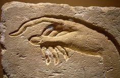 "acqua-di-fiori: "" Hand of Akhenaten making an offering to Aten - Sandstone Ancient Egypt from Ashmunein Dynasty 18 Metropolitan Museum of Art "" Ancient Egyptian Art, Ancient Aliens, Ancient History, Art History, European History, Ancient Greece, American History, Egyptian Beauty, Art Rupestre"