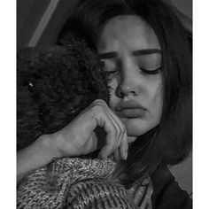 Image in girl. collection by حُ ، on We Heart It Cute Couples Photos, Stylish Girls Photos, Portrait Photography Poses, Dark Photography, Cute Girl Face, Cute Girl Photo, Cute Girl Poses, Girl Photo Poses, Cool Girl Pictures