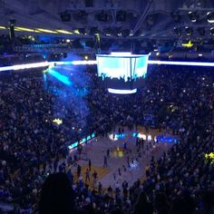 Warriors x Raptors night! @isaacdubya