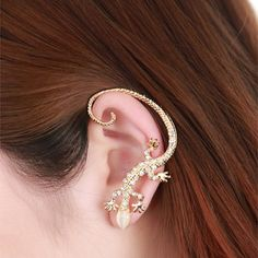 One Piece of Punk Style and Trendy Diamante Gekko Japonicus Earring For Women