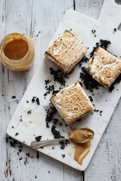 // toasted marshmallow peanut butter butterscotch bars