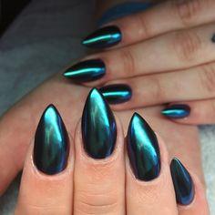 Full coverage Lecenté Purple Chameleon Chrome nails by Jenny Nagorski