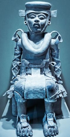 STAR GATES: WHO IS THIS PERSON WITH SPECIAL SUTE, EARPHONE, HELMET AND OTHER EQUIPMENTS?? Seated Figure from Veracruz, Mexico 800-1200 AD - Ceramic