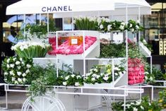 Chanel Opens Pop-Up Flower Stall In London