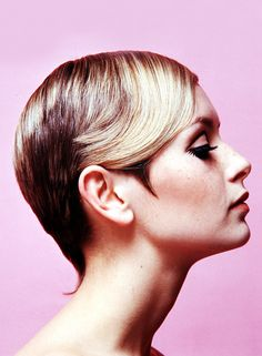 I don't think I've ever seen a more flawless profile. vintagegal: Twiggy c. 1967