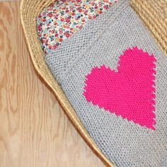 Grey and Neon Pink Knitted Heart Baby or Lap/Throw Blanket