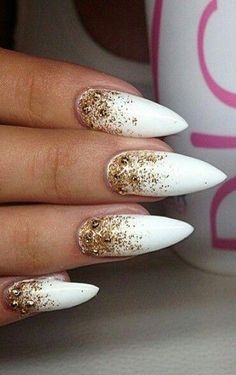 White gold nails Prom Nails: 15 Ideas For Your Perfect Manicure Xmas Nails, Halloween Nails, Christmas Nails, Gold Acrylic Nails, Glitter Nails, Glitter Force, Gold Glitter, Homecoming Nails, Prom Nails