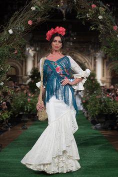 Rocío Peralta - We Love Flamenco 2018 - Sevilla Our Love, Victorian, Flamingo, Dresses, Fashion, Dance Dresses, Ruffles, Walkway, Clothing