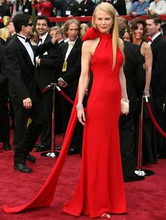 From Valentino red gowns to pailette-embellished confections, BAZAAR selects the 100 best gowns to hit the modern red carpet. Click through to see all of the stunning celebrity looks: Nicole Kidman. Best Oscar Dresses, Oscar Gowns, Best Gowns, Celebrity Red Carpet, Celebrity Dresses, Celebrity Style, Beautiful Dresses, Nice Dresses, Prom Dresses