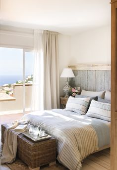 〚 Hamptons inspired home the Spainish coast 〛 ◾ Photos ◾Ideas◾ Design Bedroom Bed Design, Home Room Design, Home Bedroom, Bedroom Decor, House Design, Interior Design Inspiration, Decor Interior Design, Interior Decorating, Beach House Decor