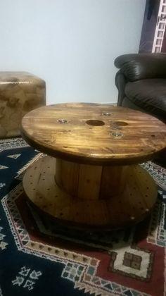 carretel de madeira reciclado cantinho da Lili