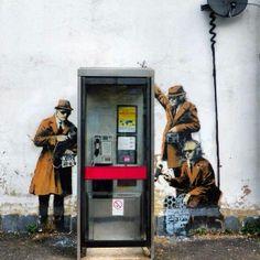 Street Art by Banksy Urban Street Art, 3d Street Art, Amazing Street Art, Street Artists, Urban Art, Amazing Art, Graffiti Artists, Arte Banksy, Banksy Art