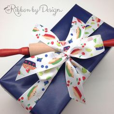 Happy National Pie Day! We have the perfect ribbon for the celebration! Our design features blueberry, cherry and lime pies tossed with berries and fruit! Fun, colorful and perfect for tying baked treats!